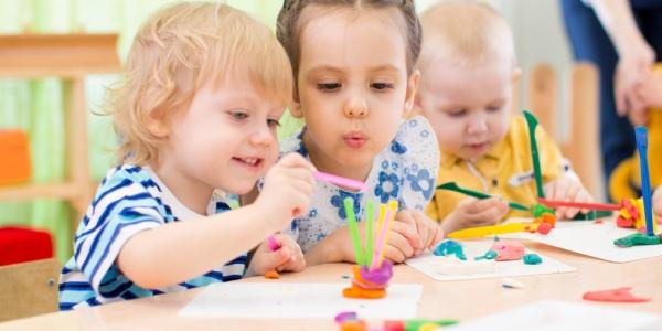 Garde d'enfant de moins de 3 ans